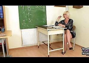 Milf teacher can't live without to masturbate check up on omnibus