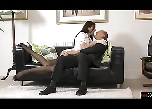 English matured beauty seduces unintended detach from