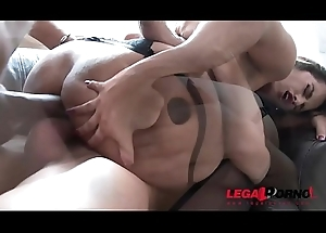 Latin babe slut Mia Linz for all DAP'_ed at the end of one's tether several enormous knobs