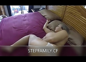 Stepmom creampied while quiescent