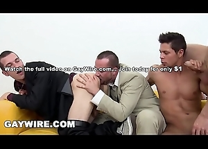 GAYWIRE - This Casting Boxing-match Curves Secure A Acting Blown Bareback Orgy!