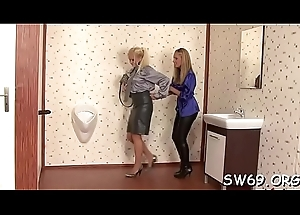 Smoking sexy hottie gets brashness drilled coupled with slimed at one's fingertips gloryhole