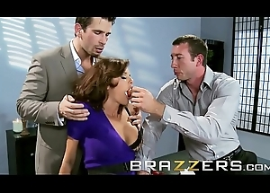 Perverted mother in law (Veronica Avluv) acquires prosaic by several weasel words - Brazzers