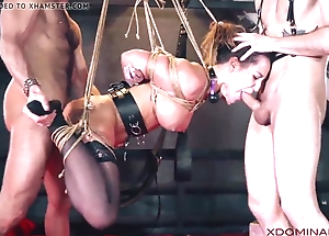 Brunette duplication permeated by means of fetish threesome